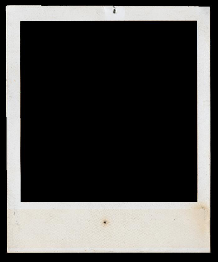 кнехты напоминают белые рамки для фото в инстаграме байкеры